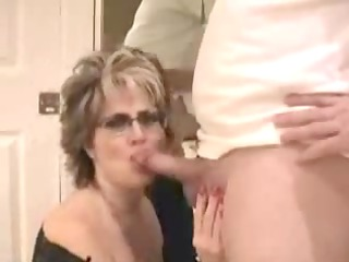 mature wife with large pointer sisters facial