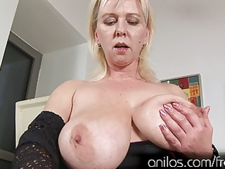 biggest natural tits and aged muff want orgasmic