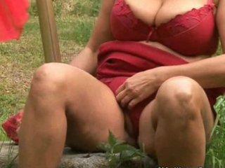chunky older housewife with big tits masturbates