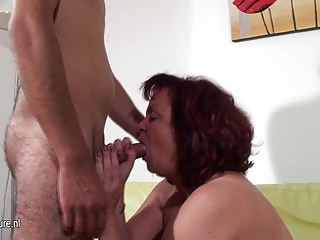 aged doxy mommy fucking and engulfing a hard