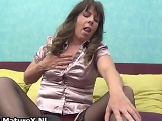 aged housewife in hot darksome nylons part9