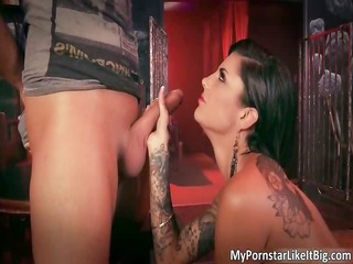 hot brunette chick bonnie rotten blows