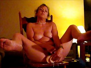 wife orgasms with large weenie