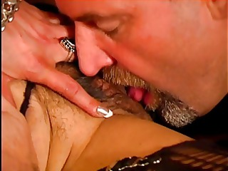d like to fuck in heat wants a big hard rod