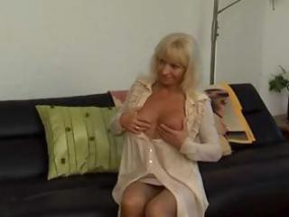 russian mature mother receives a younger chaps