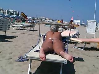 big ass d like to fuck on the beach