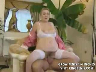 beatiful german cleaner granny gets anal by