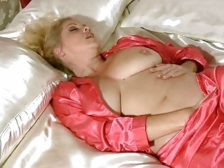 busty d like to fuck in underware rubbing for