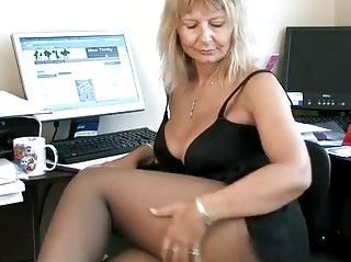 secretary housewife fingering her older snatch