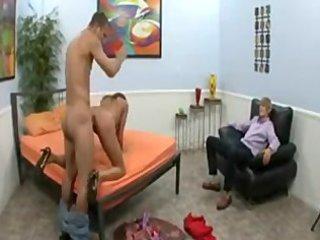 slut mom fucking the neighbouring