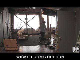 wicked presents big-tit milf pornstar lisa ann-