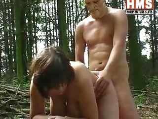 big bumpers milft sex in the woods