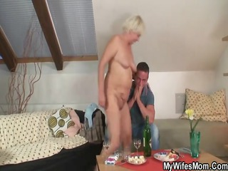this chab finds his gfs mommy stripped and bonks
