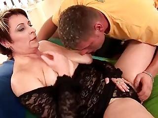 older lilo takes a cock