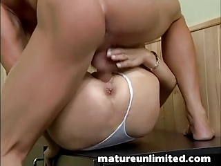 mammas hairypussy receives pounded