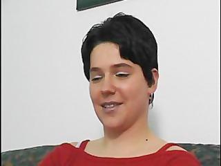 short haired mother i masturbates for the camera