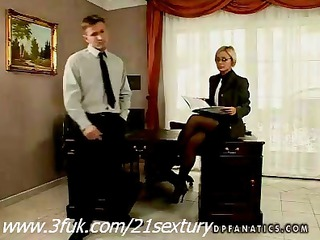 milf szilvia lauren trying a threesome act