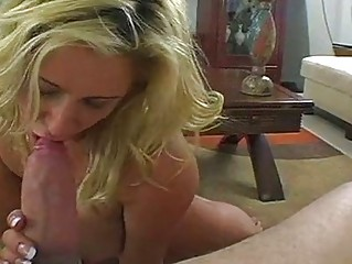 engulfing momma phyllisha anne stuffs her mouth