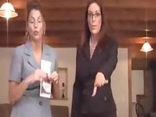 mammas teaching about safe sex
