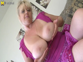 bug breasted older doxy mommy getting soaked