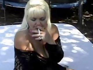 curvy cougar smoking