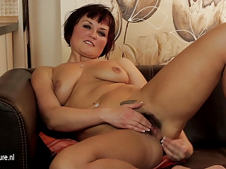 sexy hairy d like to fuck masturbate on the couch
