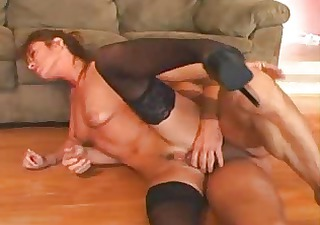indiana bell - sultry lady with a large a-hole