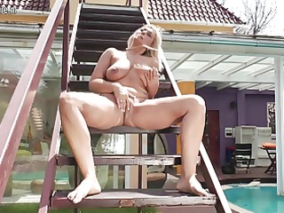 golden-haired mother true doxy masturbating