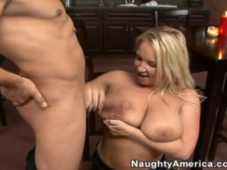 golden-haired momma rachel love fills her juicy