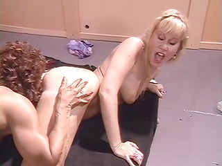 six lesbian nymphos scream and groan during the