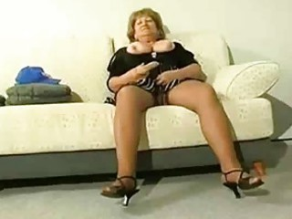 plump older cougar acquire horny