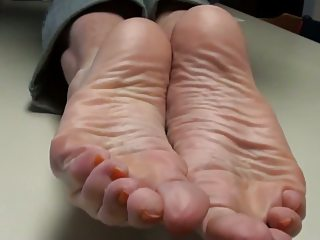 cum on moms feet