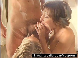 jon scores with roxy and julie – mff three-some