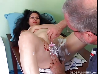 pretty older latina receives her pussy shaved