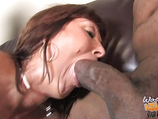 breasty mature mama desi foxx used by 8 blacks in