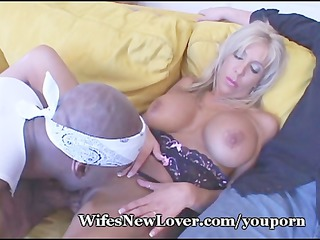 breasty wife desires fresh paramour