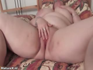 breasty fat older chick shaking her giant part6