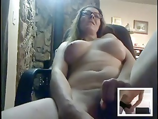 sexy mature masturbates for anybody on cam