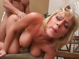 blonde d like to fuck receives her cookie pounded
