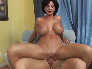 breasty d like to fuck shags with her young horny