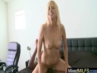 sexy milf like black shlong inside her pussy