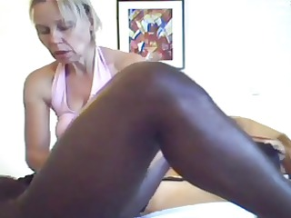 mom gives a massage and cook jerking to black stud