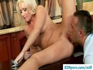 1010-big tit d like to fuck in hardcore mom porn