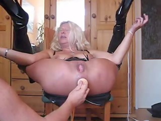 blond granny squirts