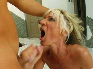 milf merci facial