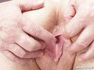 vilma aged pussy speculum gyno investigation