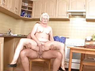 mommy serves up bawdy cleft in the kitchen