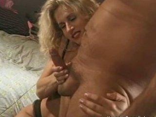 hottest milf did an erotic tugjob