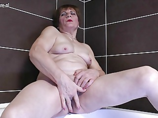 non-professional grandma masturbating in the baths