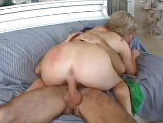 magnetic blonde momma with big a-hole rides hard